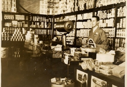 1912-grocery-store