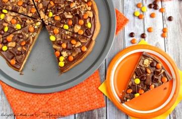 halloween-peanut-butter-pizza-recipe