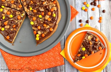 halloween-peanut-butter-pizza-recipe